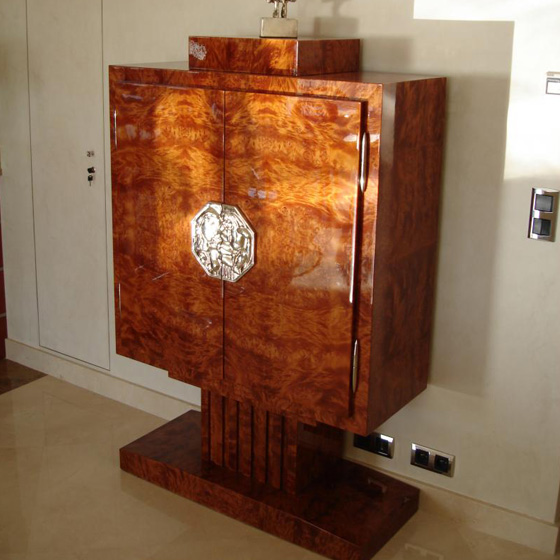 beaux meubles on pinterest art deco buffet and arts and crafts. Black Bedroom Furniture Sets. Home Design Ideas