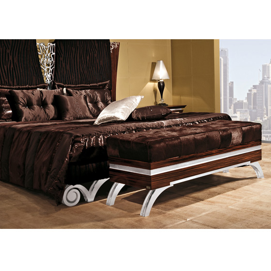 best images de chambre a coucher royal ideas lalawgroup. Black Bedroom Furniture Sets. Home Design Ideas