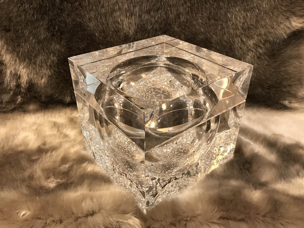 Transparent decorative object